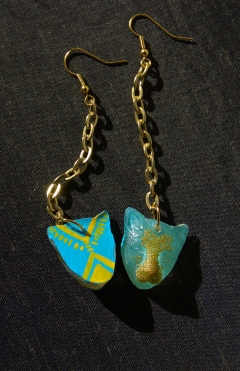 Leopard Chain earrings in Ice Blue