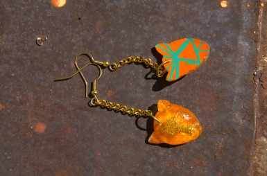 Leopard Chain earrings in Orange